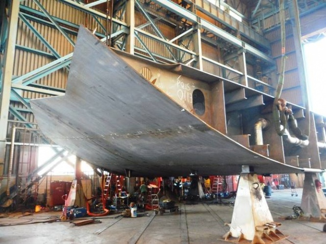A 50 ton block ready to become part of the hull